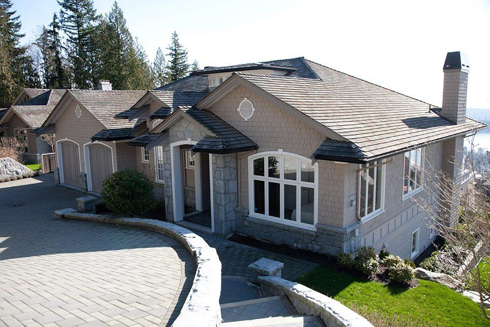 Cedar Sidewall Shingle West Vancouver